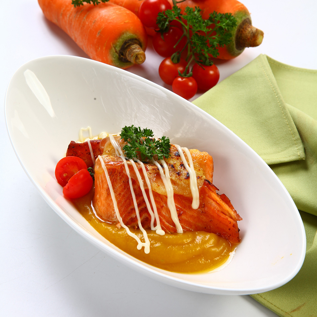 GRILLED SALMON AND CHEESE WITH PUMPKIN SOUP