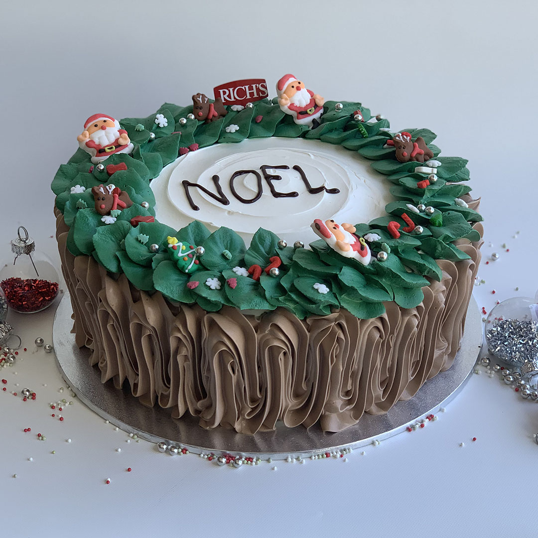 CHRISTMAS WREATH CAKE